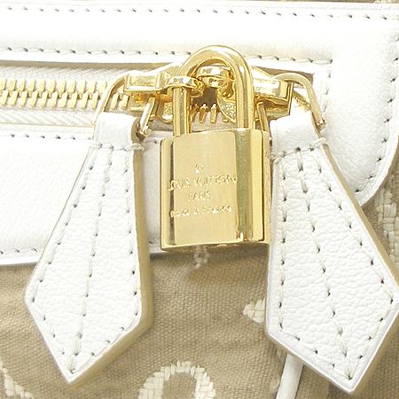 Louis Vuitton(루이비통) M93793 모노그램 카바스 GM 사비아 화이트 숄더백 [부산센텀본점] 이미지4 - 고이비토 중고명품