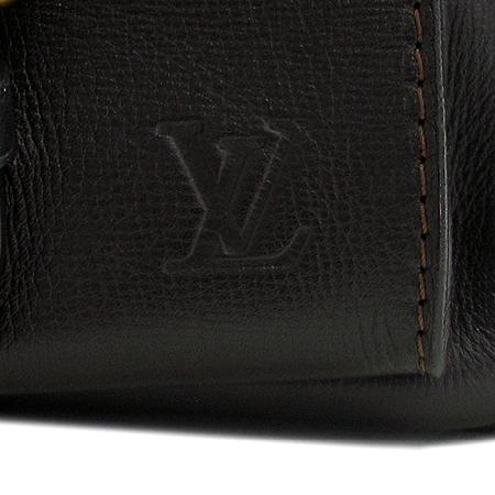 Louis Vuitton(루이비통) M92990 유타 레더 WICHITA(위치타) 크로스백