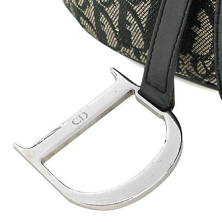 Dior(크리스챤디올) RU0092 디올 로고 장식 새들백