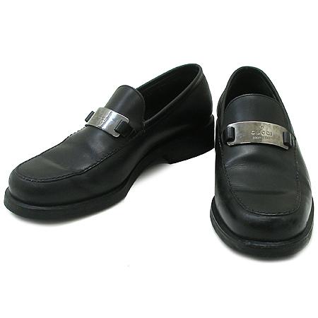 Gucci(구찌) 은장 로고 장식 블랙 래더 여성용 구두