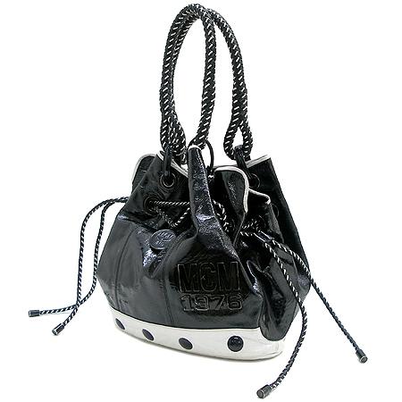 MCM(엠씨엠) 1010080110307 블랙 애나멜 복조리 위빙핸들 토트백