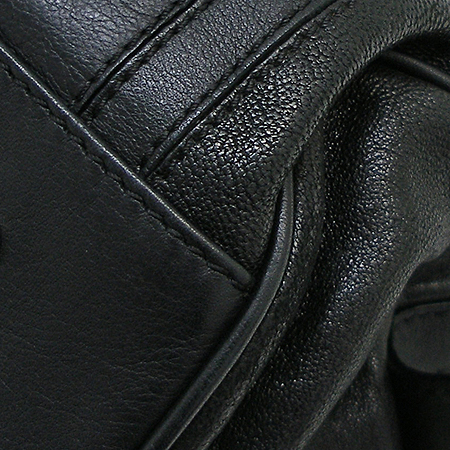 MCM(엠씨엠) 1011071050324 블랙래더 스네이크패턴 위빙핸들 토트백