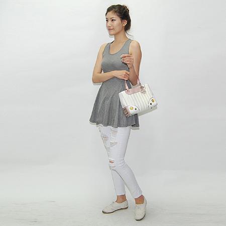 Dior(크리스챤디올) 핑크 핸들 장식 퍼포 토트백
