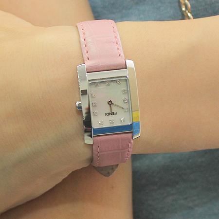 Fendi(펜디) 7000L 12포인트 다이아 스퀘어 스틸 가죽 밴드 여성용 시계