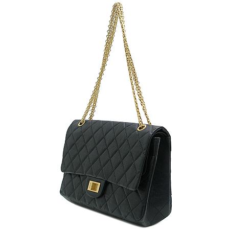 Chanel(샤넬) 2.55 빈티지 L 사이즈 금장 체인 숄더백 이미지3 - 고이비토 중고명품