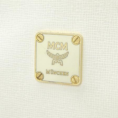 MCM(엠씨엠) 금장 로고 장식 화이트 레더 숄더백
