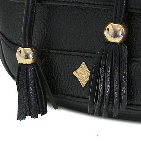 MCM(엠씨엠) 금장 로고 장식 원포켓 백팩