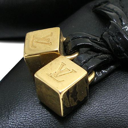 Louis Vuitton(루이비통) 금장 로고 큐브 장식 여성용 구두
