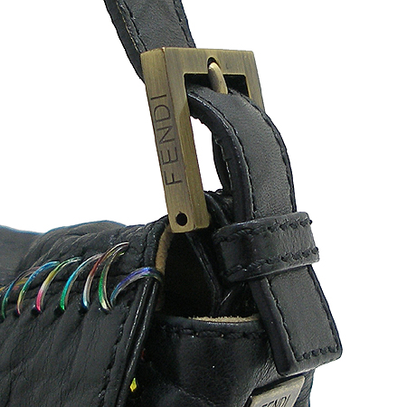 Fendi(펜디) 8BT136 블랙 래더 레인보우 러버 퀼팅 숄더백