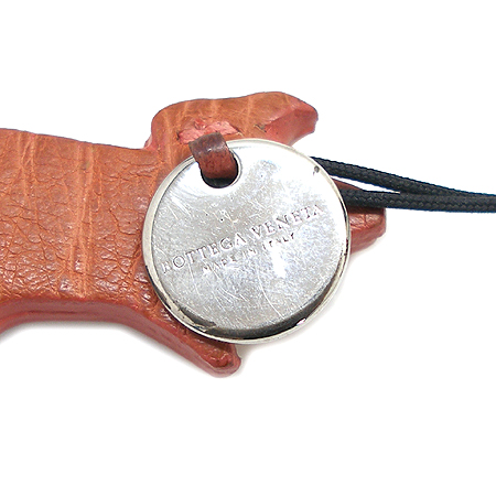 BOTTEGAVENETA 925(silver) 로고 코인 래더 피그 장식 핸드폰 고리
