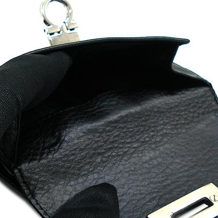 Ferragamo(페라가모) 22-A596 은장 간치니 버클 반지갑 이미지3 - 고이비토 중고명품