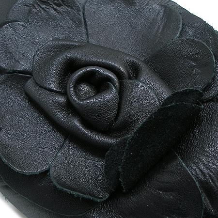 FURLA(훌라) 블랙 컬러 플라워 장식 파우치 숄더백 이미지4 - 고이비토 중고명품