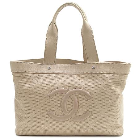Chanel(샤넬) 로고 장식 베이지 컬러 퍼포 쇼퍼 토트백
