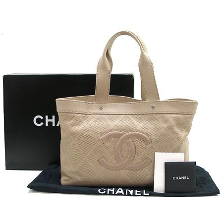 Chanel(샤넬) 로고 장식 베이지 컬러 퍼포 쇼퍼 토트백 [강남본점]