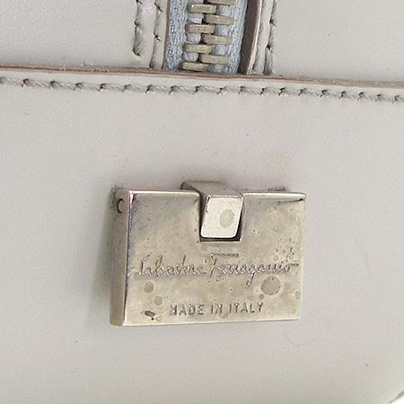Ferragamo(페라가모) 21 1234 간치니 로고 베이지 컬러 숄더백