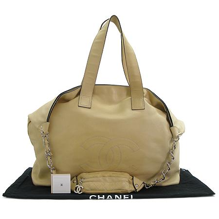 Chanel(샤넬) 옐로우 컬러 램스킨 빅 로고 스티치 토트 겸 숄더백
