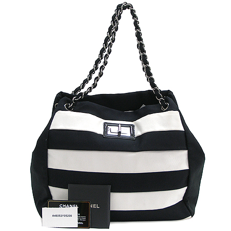 Chanel(샤넬) A46053Y05208 2.55 블랙&화이트 캔버스 은장 체인 숄더백