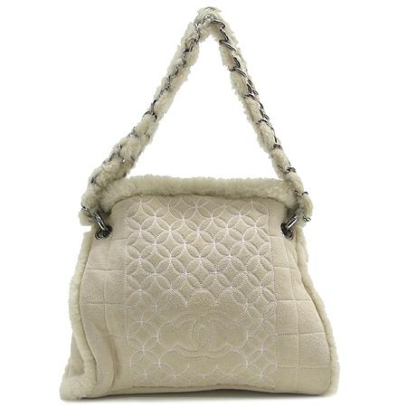 Chanel(샤넬) 베이지 스웨이드 털장식 은장 체인 숄더백 + 파우치
