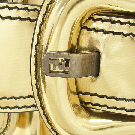 Fendi(펜디) 8BR551 메탈릭 래더 로고 벨트 장식 숄더백(B백)