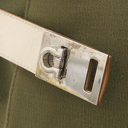 Ferragamo(페라가모) 21 0200 간치니 버클 장식 패브릭 숄더백