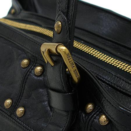 Louis Vuitton(루이비통) M95346 블랙 래더 시즌 한정 리베트 숄더백