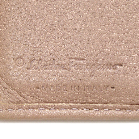 Ferragamo(페라가모) 22 6164  은장 간치니 장식 반지갑 이미지5 - 고이비토 중고명품