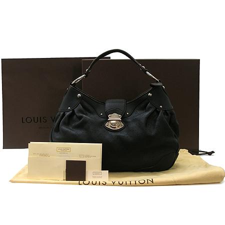 Louis Vuitton(루이비통) M93127 마히나 솔라 PM 숄더백