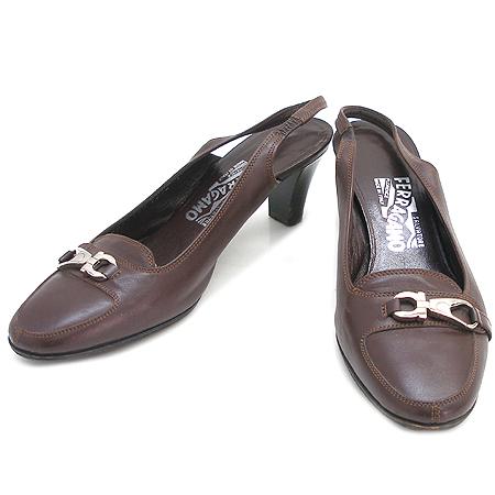 Ferragamo(페라가모) 은장 로고 장식 브라운 래더 여성용 구두