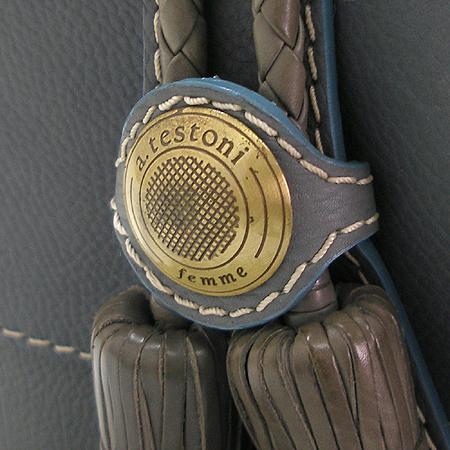 A.testoni(테스토니) 금장 로고 장식 래더 스티치 테슬 장식 숄더백