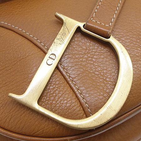 Dior(크리스챤디올) 금장 로고 장식 브라운 래더 새들 숄더백 이미지5 - 고이비토 중고명품