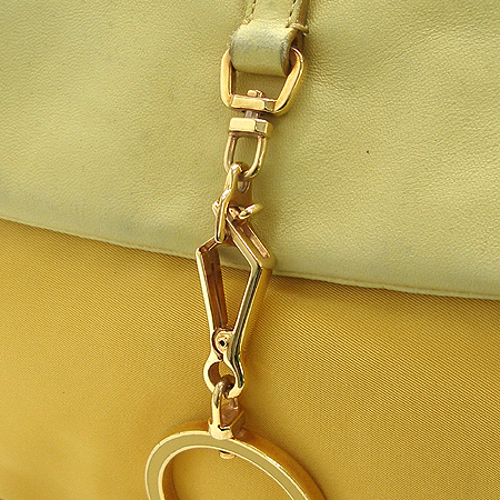 Prada(프라다) 금장 버클 장식 옐로우 패브릭 래더 숄더백