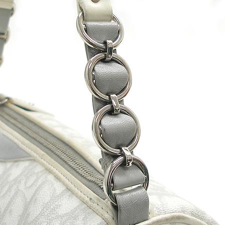 Dior(크리스챤디올) 로고 패턴 PVC 은장 로고 하트 장식 원통 토트백