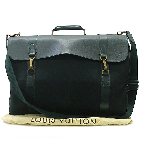 Louis Vuitton(루이비통)  M36094 타이가 래더 여행용 슈트 케이스