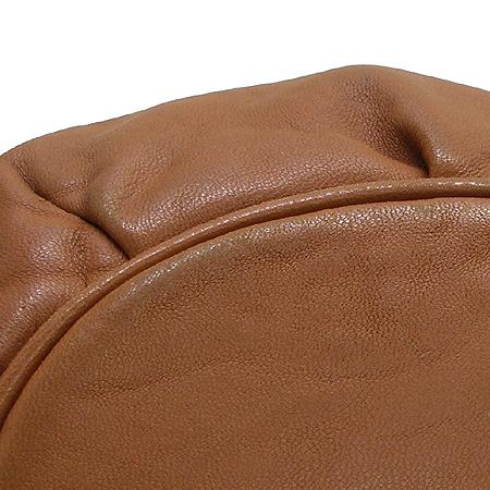MICHAELKORS (마이클코어스) 금장 테슬 장식 브레이드 그로멧 브라운 래더 숄더백