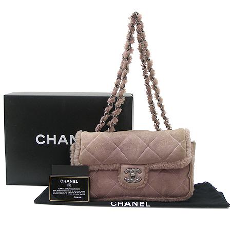 Chanel(샤넬) A2993Y03497 퍼플 스웨이드 토끼털 클래식 M사이즈 은장 체인 숄더백