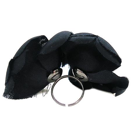 Chanel(샤넬) 블랙 까멜리아 반지-10호 이미지2 - 고이비토 중고명품