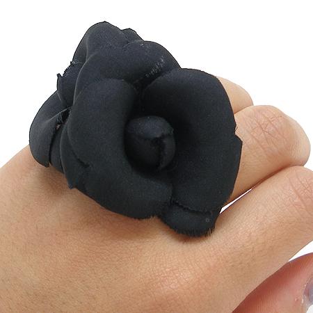 Chanel(샤넬) 블랙 까멜리아 반지-10호 이미지6 - 고이비토 중고명품