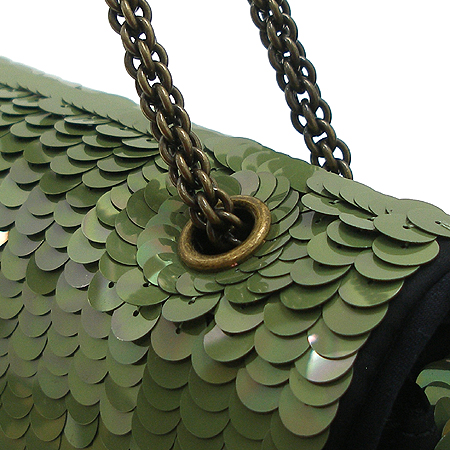 Chanel(샤넬) 시즌 한정판 클래식 라인 그린 스팽글 아이콘 체인 숄더백 [부산센텀본점] 이미지4 - 고이비토 중고명품