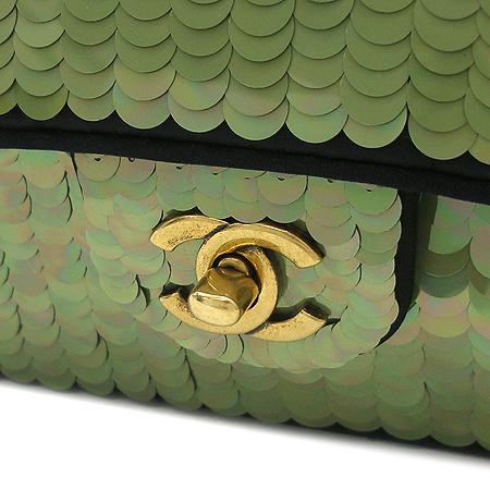 Chanel(샤넬) 시즌 한정판 클래식 라인 그린 스팽글 아이콘 체인 숄더백 [부산센텀본점] 이미지5 - 고이비토 중고명품