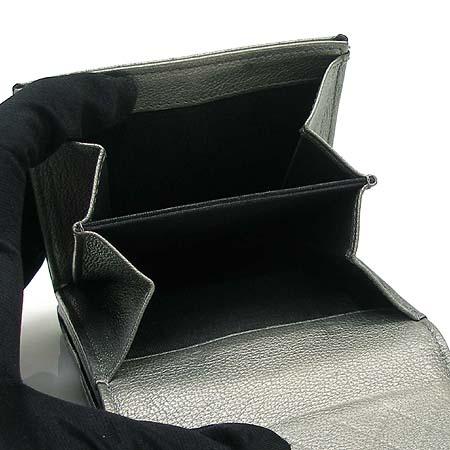 Chanel(샤넬) 은장 로고 장식 메탈릭 실버 고트 스킨 여성용 반지갑