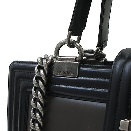 Chanel(샤넬) BOY BAG(보이백) 배색 레더 은장 체인 2WAY