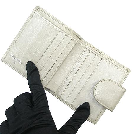 Chanel(샤넬) A34710Y04419 COCO 로고 퀼팅 반지갑 [대구동성로점] 이미지3 - 고이비토 중고명품