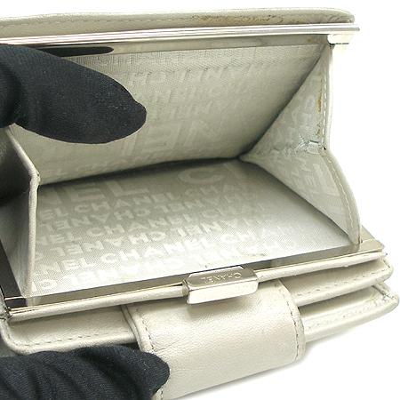 Chanel(샤넬) A34710Y04419 COCO 로고 퀼팅 반지갑 [대구동성로점] 이미지4 - 고이비토 중고명품