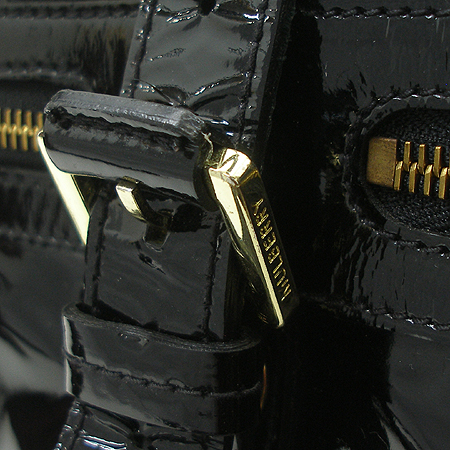 MULBERRY(멀버리) 벨트 장식 블랙 에나멜 메이블 토트백