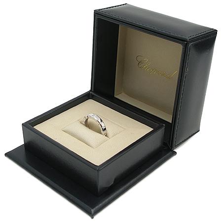 Chopard(쇼파드) 18K 화이트골드 아이스 큐브 4포인트 다이아 반지 이미지3 - 고이비토 중고명품