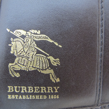 Burberry(������) �� Ŭ���� üũ ������� ������