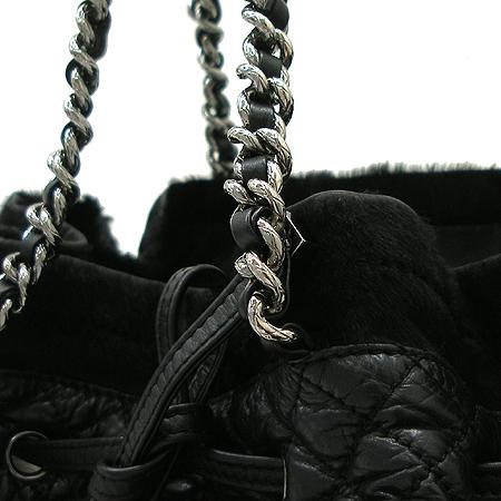 Chanel(샤넬) 시즌 한정판 송치 레더 트리밍 은장 체인 토트백 [강남본점] 이미지3 - 고이비토 중고명품