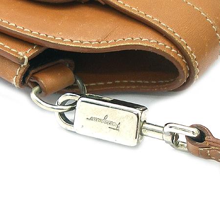 Ferragamo(페라가모) 22 3195 카멜 래더 바라 장식 핸드폰 케이스