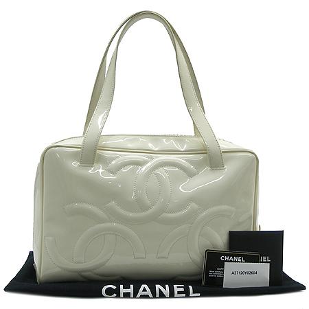 Chanel(샤넬) A27120Y02604 페이던트 트리플 코코 로고 토트백 이미지2 - 고이비토 중고명품