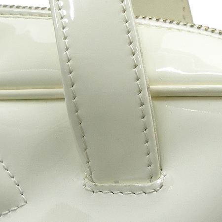 Chanel(샤넬) A27120Y02604 페이던트 트리플 코코 로고 토트백 이미지4 - 고이비토 중고명품